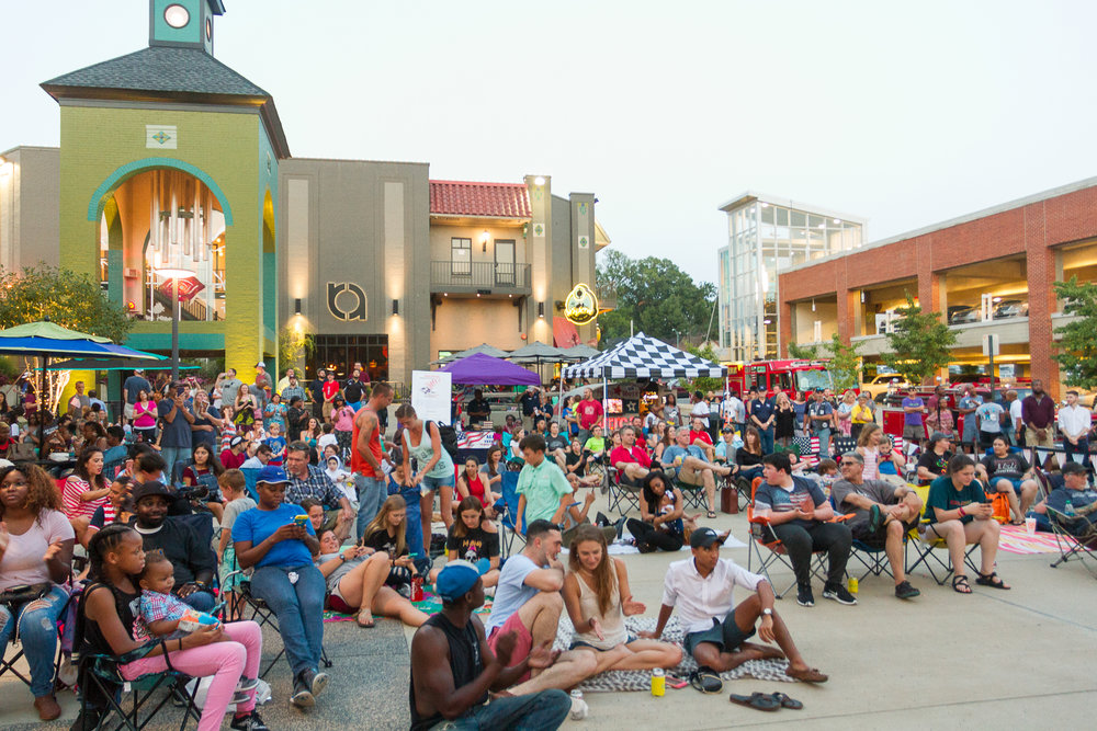 The crowd gathers to enjoy Overton Square's Independence Celebration, with help from the Alpha Omega Veteran's Services Group and the Fire Museum of Memphis