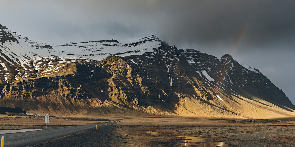Iceland-Book-21x21-final-2710173.jpg