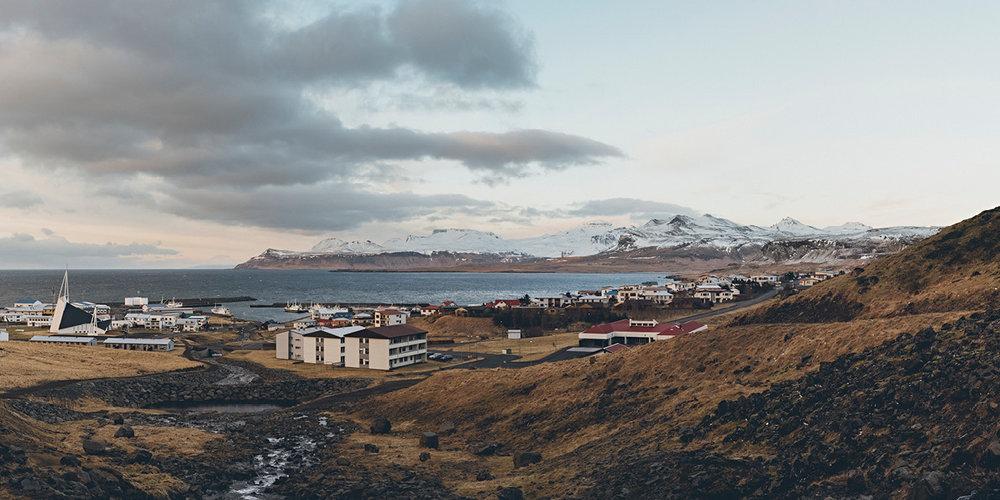 Iceland-Book-21x21-final-27101723.jpg