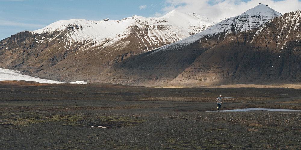 Iceland-Book-21x21-final-27101728.jpg
