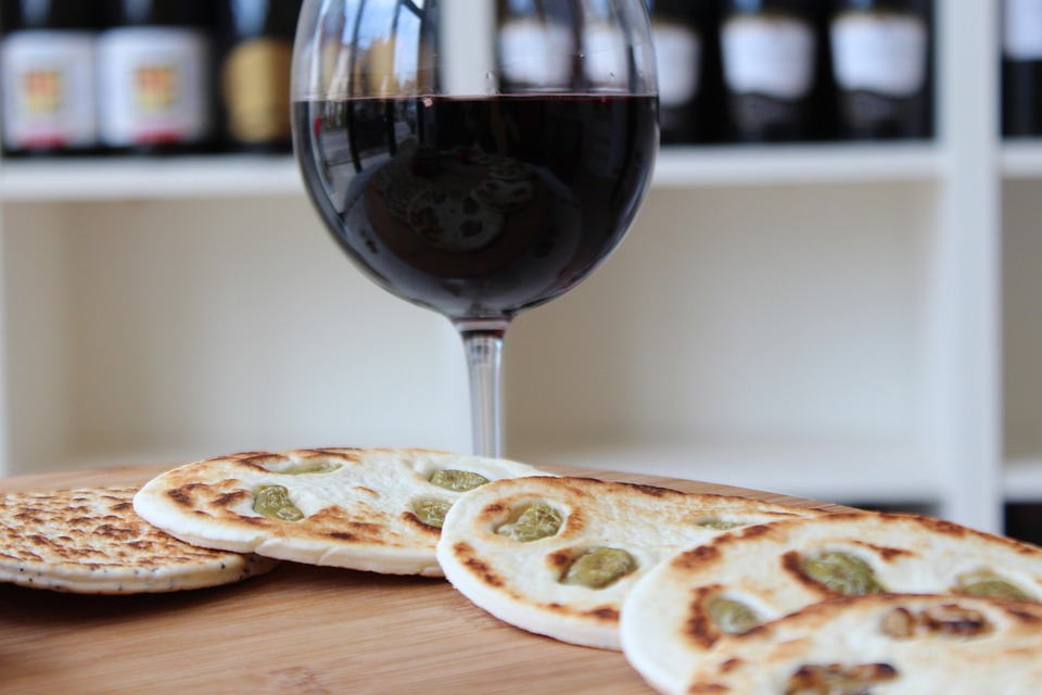 Glass-Wine-Red-Wine-Piadina-600074.jpg