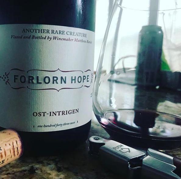 Elegant, vibrant, perfect! The Forlorn Hope Ost-Intrigen Saint Laurent.