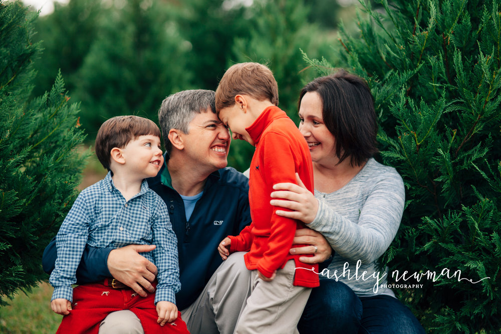 tuscaloosa-family-photographer-ashley-newman-photo-northport-alabama-35475-bham-lifestyle.jpg