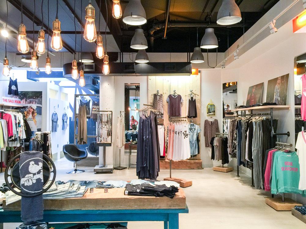 Heidi Ho     Retail  Toronto, Ontario  Completed 2016