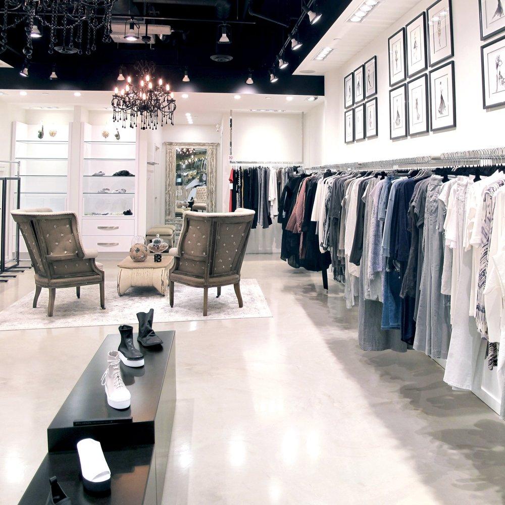 Pellini     Retail Interior  Toronto    Completed 2016