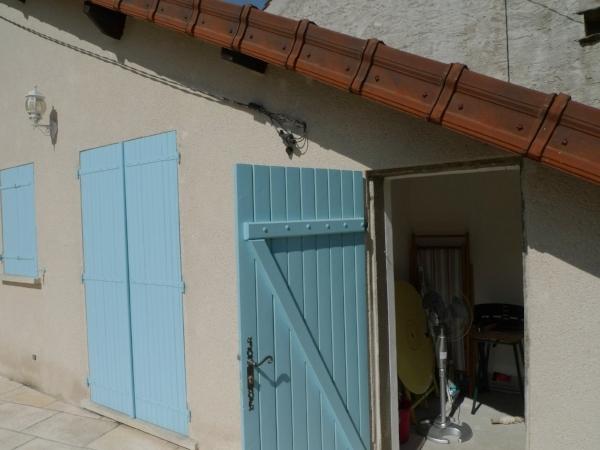 Guide to La Maison de la Vieille Vigne - Reset a circuit breaker ...