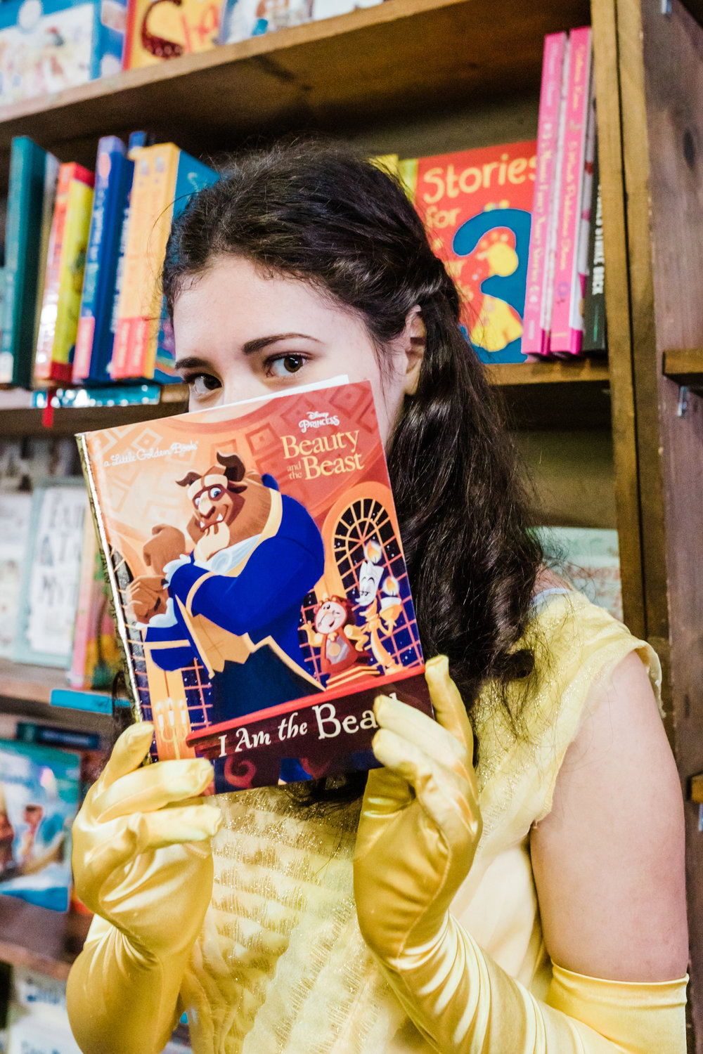 Anika Vodicka as Belle at the Bookseller | Lenkaland Photography