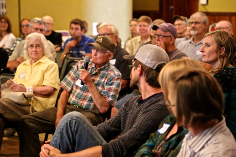 Leon Morrison, No-Till farmer asks about water quality impact of cover crops.