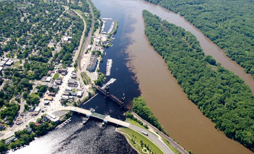 Upstream confluence of Minnesota River (R) and St. Croix River (L) - Photo by Minnesota Pollution Control Agency