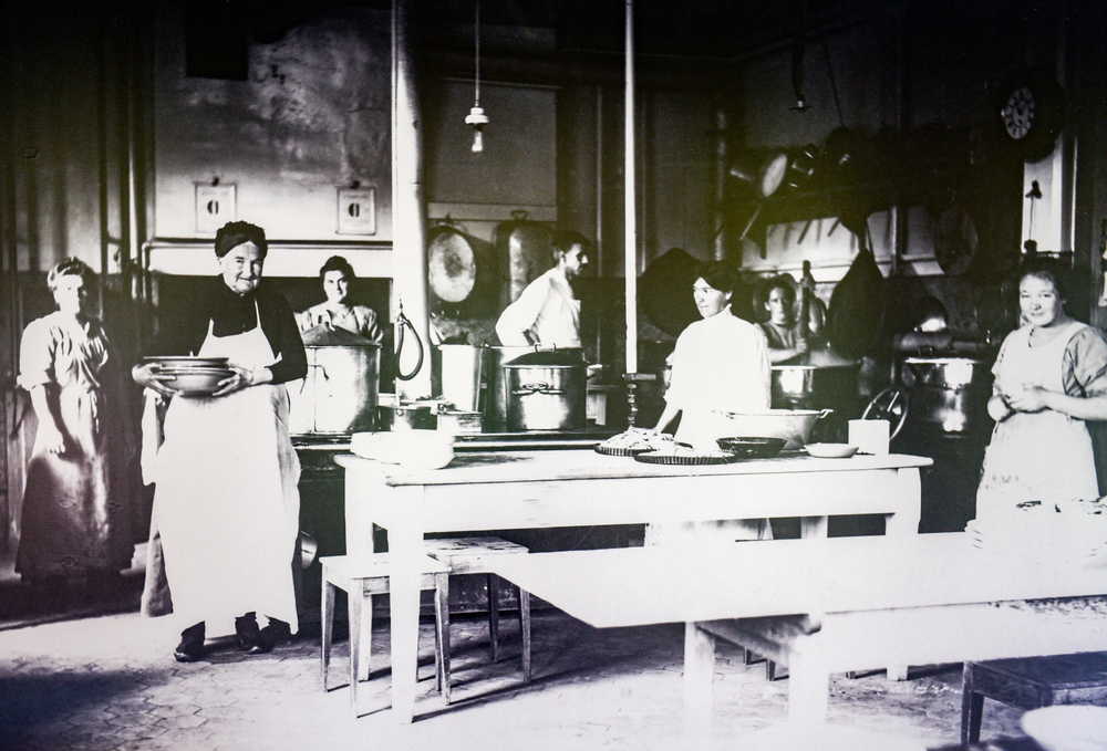 Die Gasküche um 1912 – damals noch ein Provisorium.