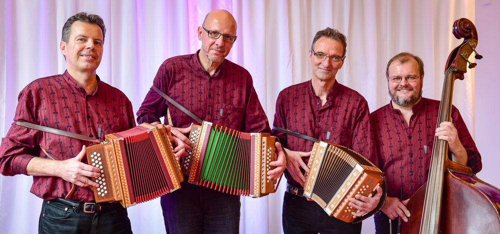 Schwyzerörgeli-Quartett Schenkenberg_Foto- Jean-Pierre Ritler_008.jpg