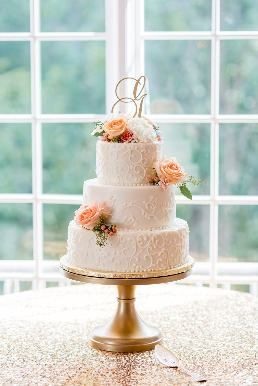 Hillcrest Country Club Wedding  | Indiana Wedding Venues | Elegant White and Coral Wedding Cake