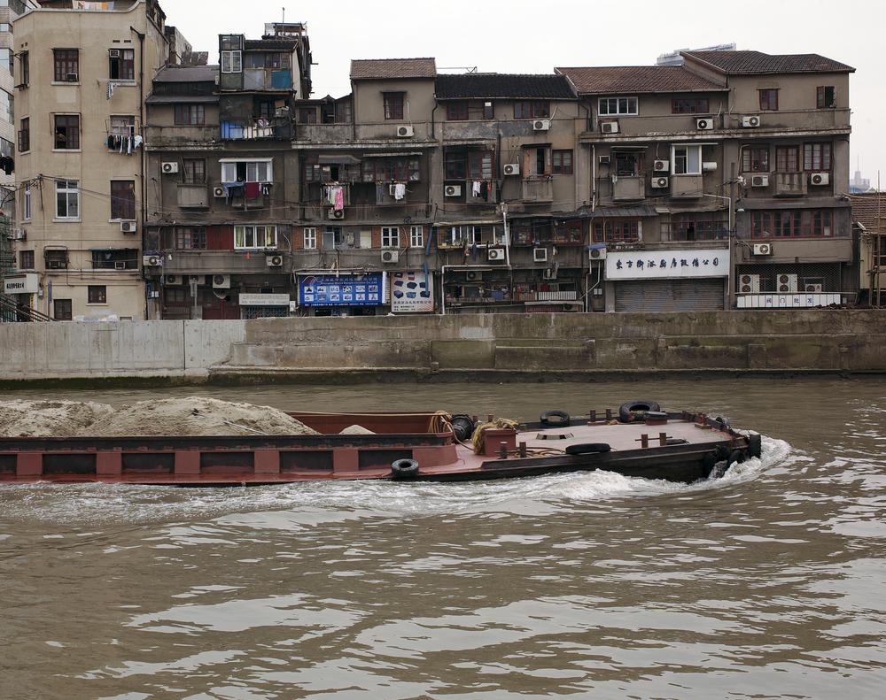 Old Neighbotrhood, Suzhou Creek, Shanghai (2009).jpg