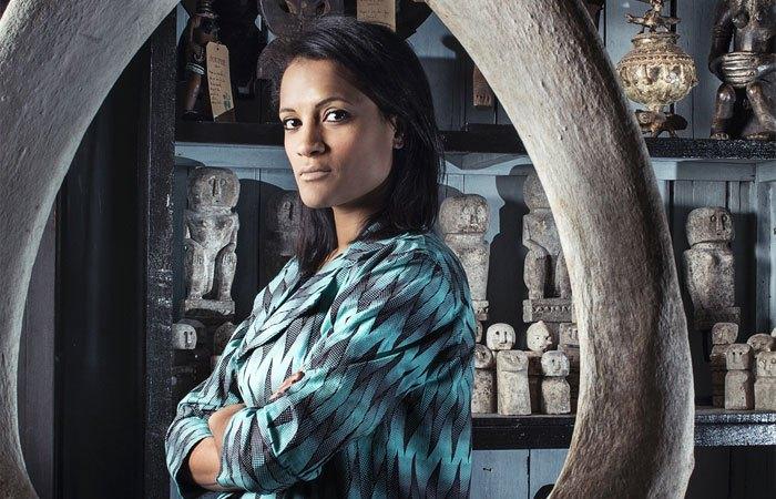 Namsa Leuba  est une photographe suisso-guinéenne née en 1982 à Neuchâtel, Suisse. Plongée dans les traditions africaines dès son jeune âge, elle fait sa formation en photographie à l'École d'arts visuels de New York en 2013. Dépositaire de nombreux prix, elle a été invitée au Art fair 1-54 Marrakech en Février 2018.