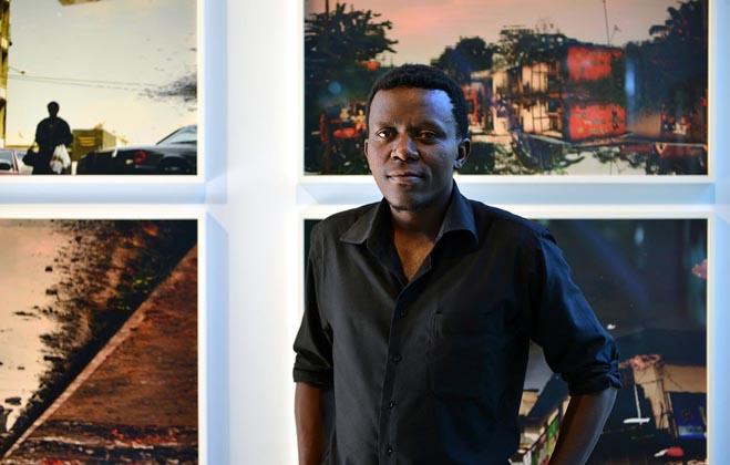 Kiripi Katembo , né le 20 juin 1979 àGoma et décédéle 5 août 2015 àKinshasa, est un réalisateur,photographe et producteur congolais connu pour ses photographies documentent la vie quotidienne de Kinshasa.