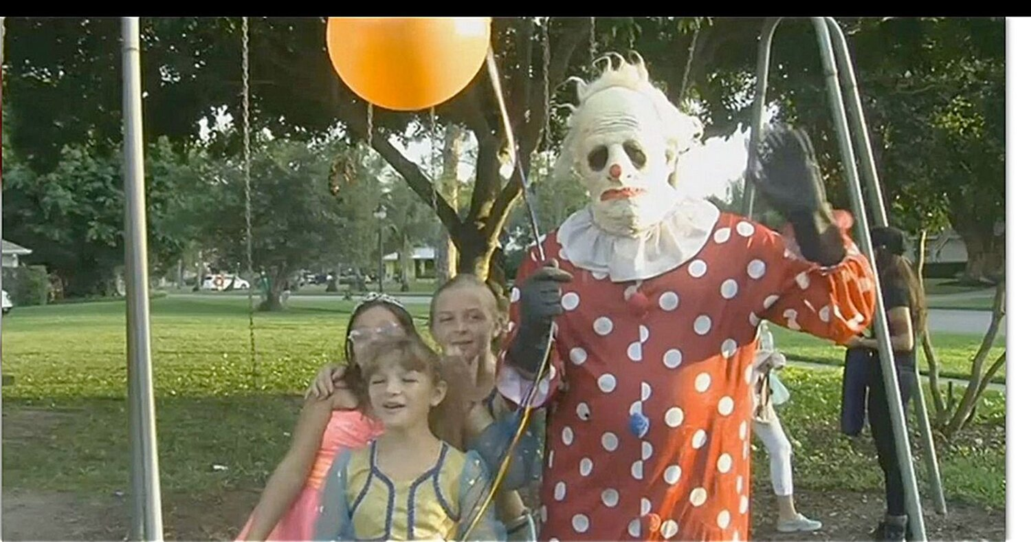Movie Review Wrinkles The Clown 2019 Dead End Follies