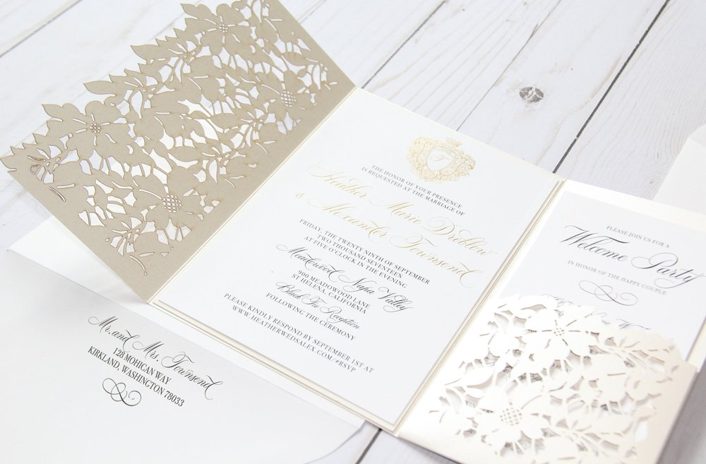 Custom Wedding Invitations. Elegant wedding invitation. Classic wedding invitation. Gold Foiled Wedding Invitation.