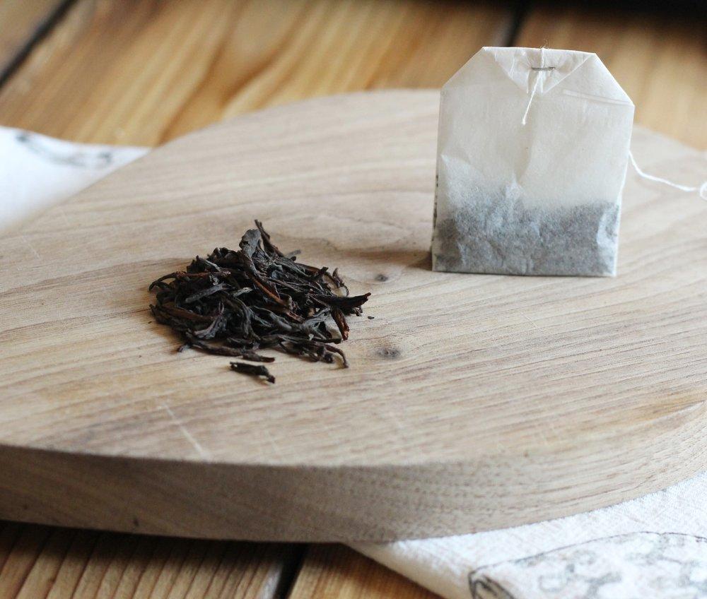 Loose leaf tea vs tea bag.JPG