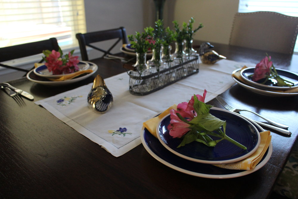 Using fresh flowers in Spring tablescape