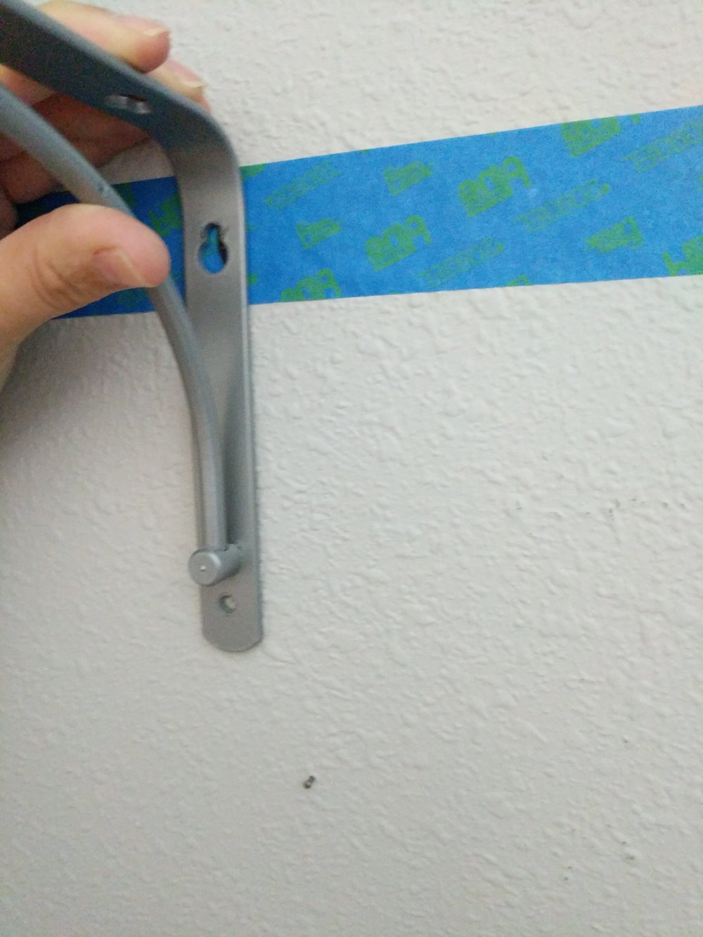 hanging a shelf bracket