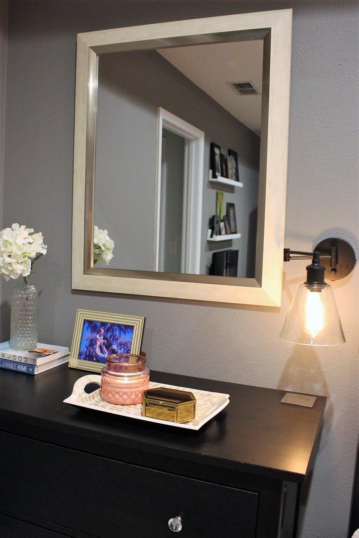 Bedroom Bedside Table decor