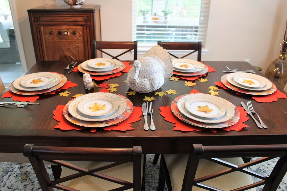 Affordable Thanksgiving table decor