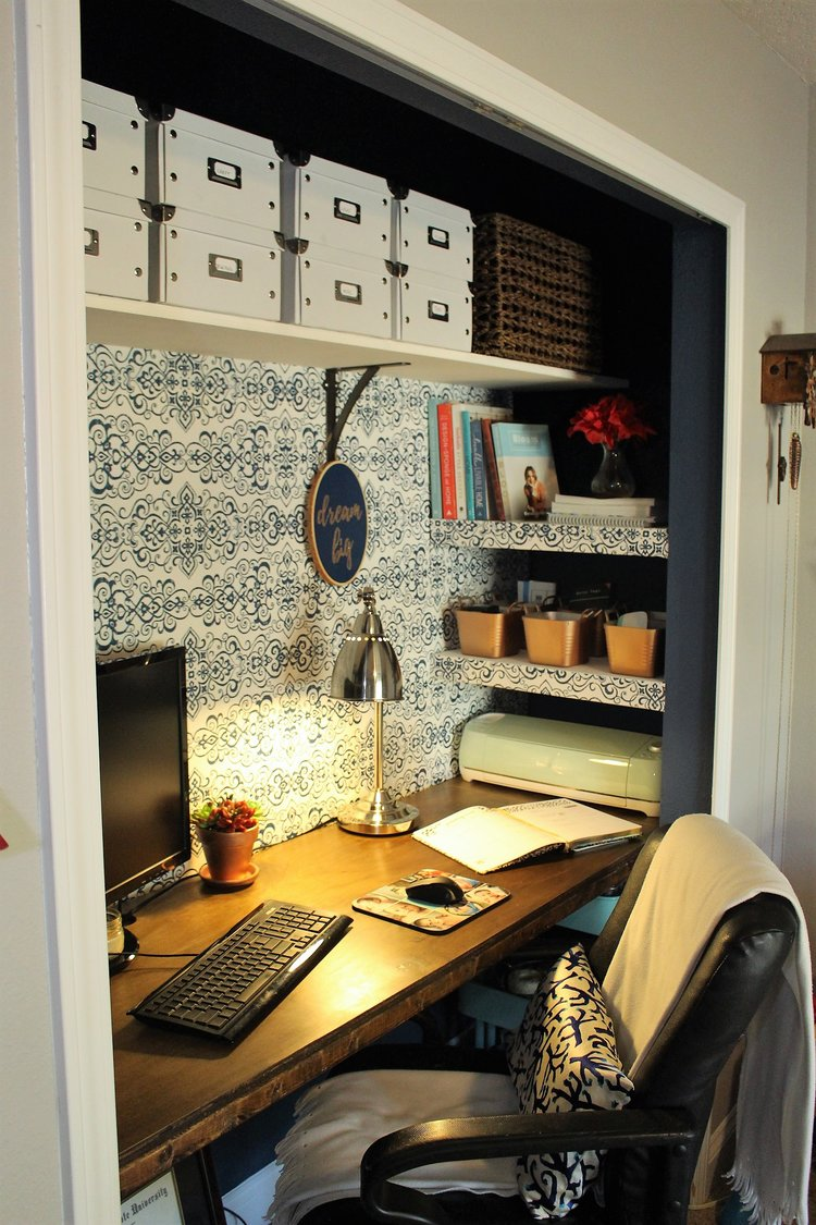 craft cdr the space from lady home in closet organized crazy hd office pictures best