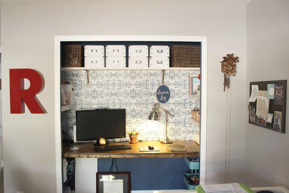 Removable wallpaper - closet office