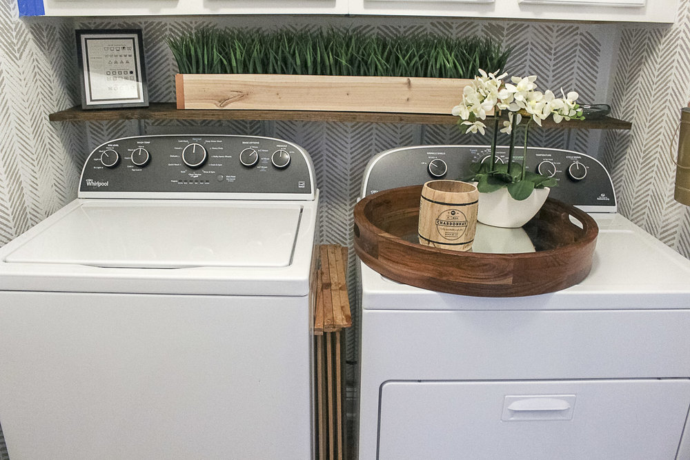 Small Laundry Room Makeover-7.jpg