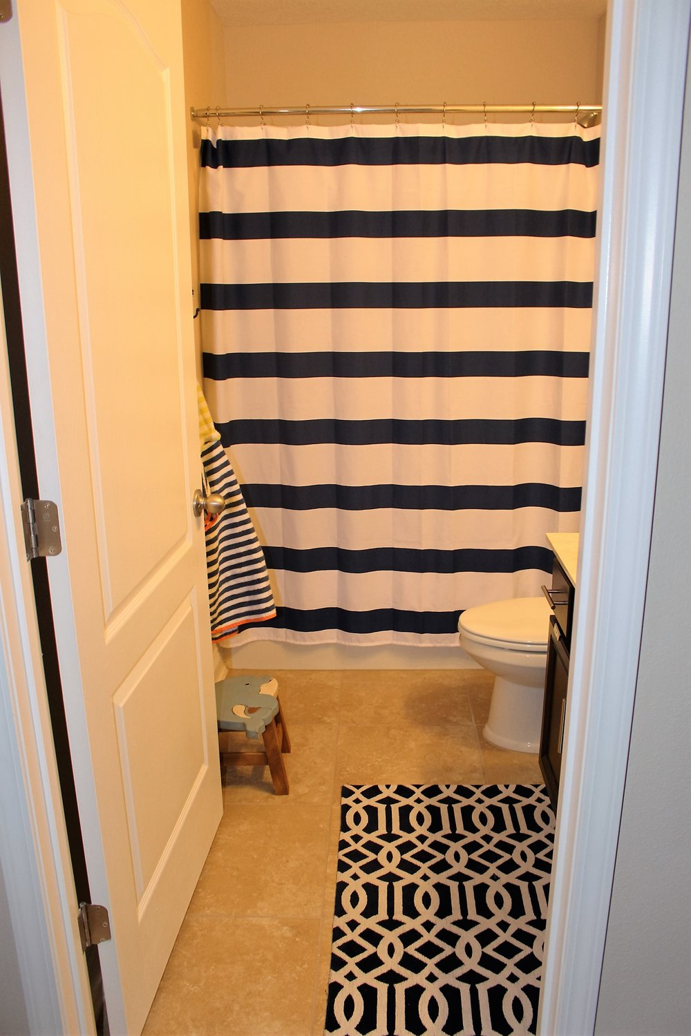 Nautical Kids bathroom before