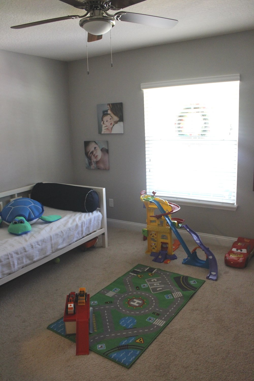 Playroom/guestroom/homeoffice