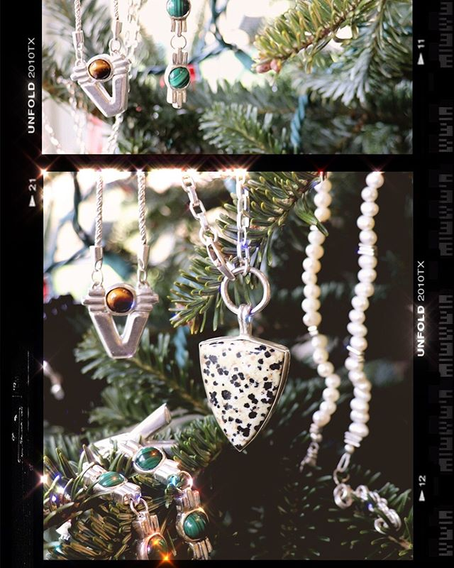 Merry Christmas from #stereoviewjewelry! Many thanks to all for the support this season ✨✨✨ . . . #christmasjoy #christmasgiftsideas #underthetree #xmaswishlist #xmasjewelry #madebyhand #thoughtfulgifts #thoughtfulgift #madeinnewyork #smallbusiness #supportlocalbrand #supportnyclocal #shoplocalyyc