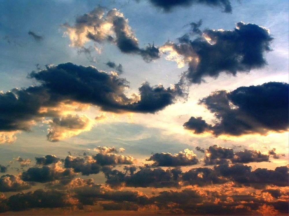 pretty_clouds_by_technicoloraplomb