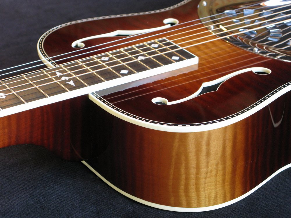 06 archtop on bench.jpg