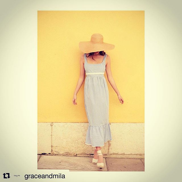 SUMMER TIME☀️☀️☀️!! Prisme robe👗. #graceandmila #ss18 #prismerobe #sainttropez #stripes #summervibes #womenstyle #fashionnovictim #italy