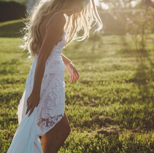 Chantelle, barefoot and beautiful, dancing in the sun light at Graciosa, Bangalow. Captured perfectly by  http://www.storiesbyash.com/  I can't wait to show you more of this gorgeous wedding.
