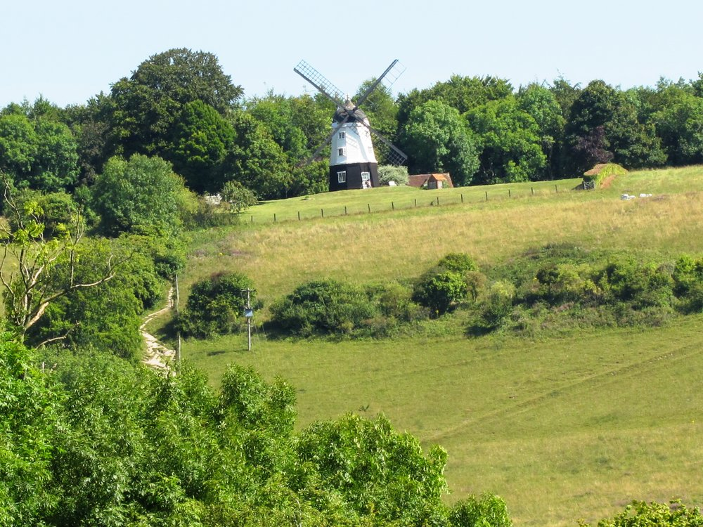 Summer Peace Day Retreat  Take time out to find peace, balance & tranquility; a blessed day of yoga & walking in the hills of Frieth in the Hambleden valley. Emerge feeling energised & revitalised  Date: 10 August, 2019 Location: Frieth Nearest station: Henley on Thames Time: 11.00-18.00 Price: £70pp includes lunch, cake & refreshments