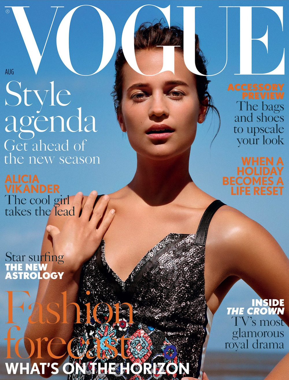 alicia-vikander-by-alasdair-mclellan-for-vogue-uk-august-2016-0.jpg