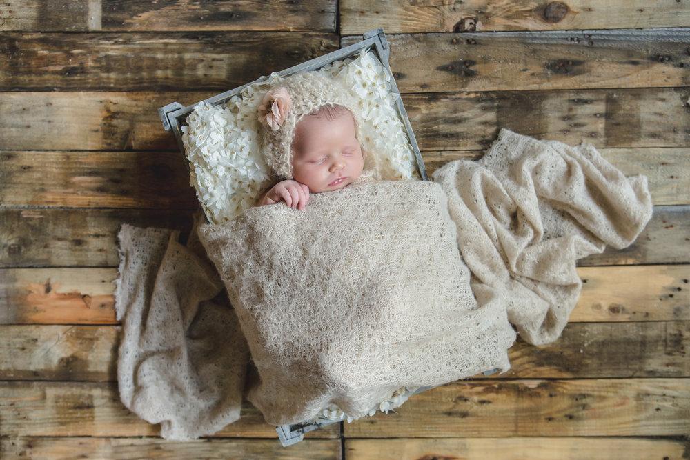 Newborn Girl Burleson.jpg