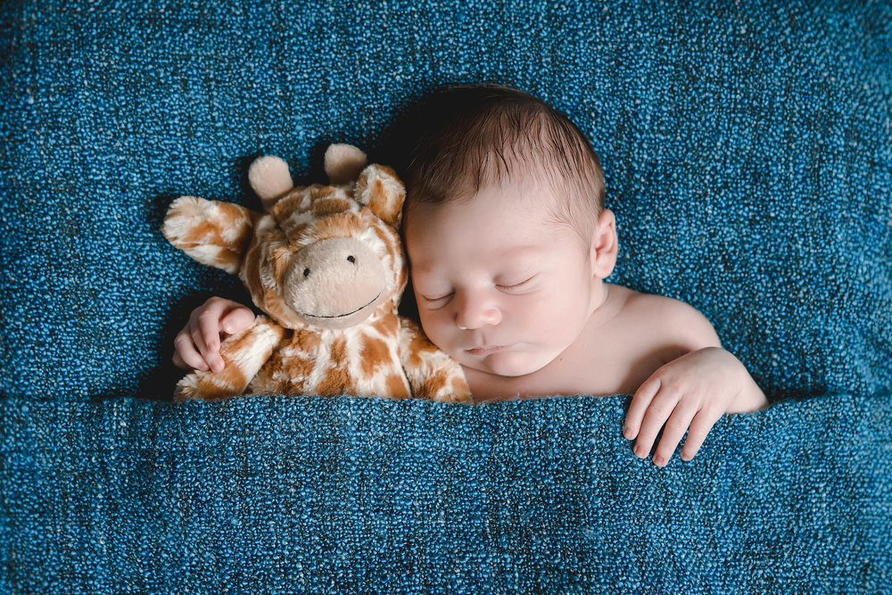 Newborns - We bring the studio to the comfort of your home