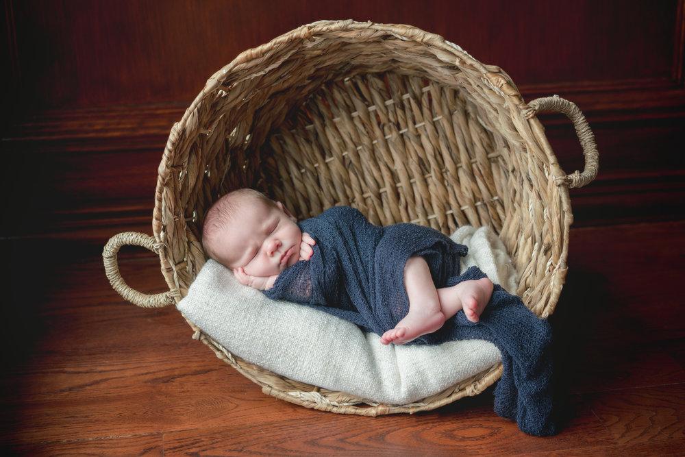 Deep Round Basket, Blankets, Navy Wrap
