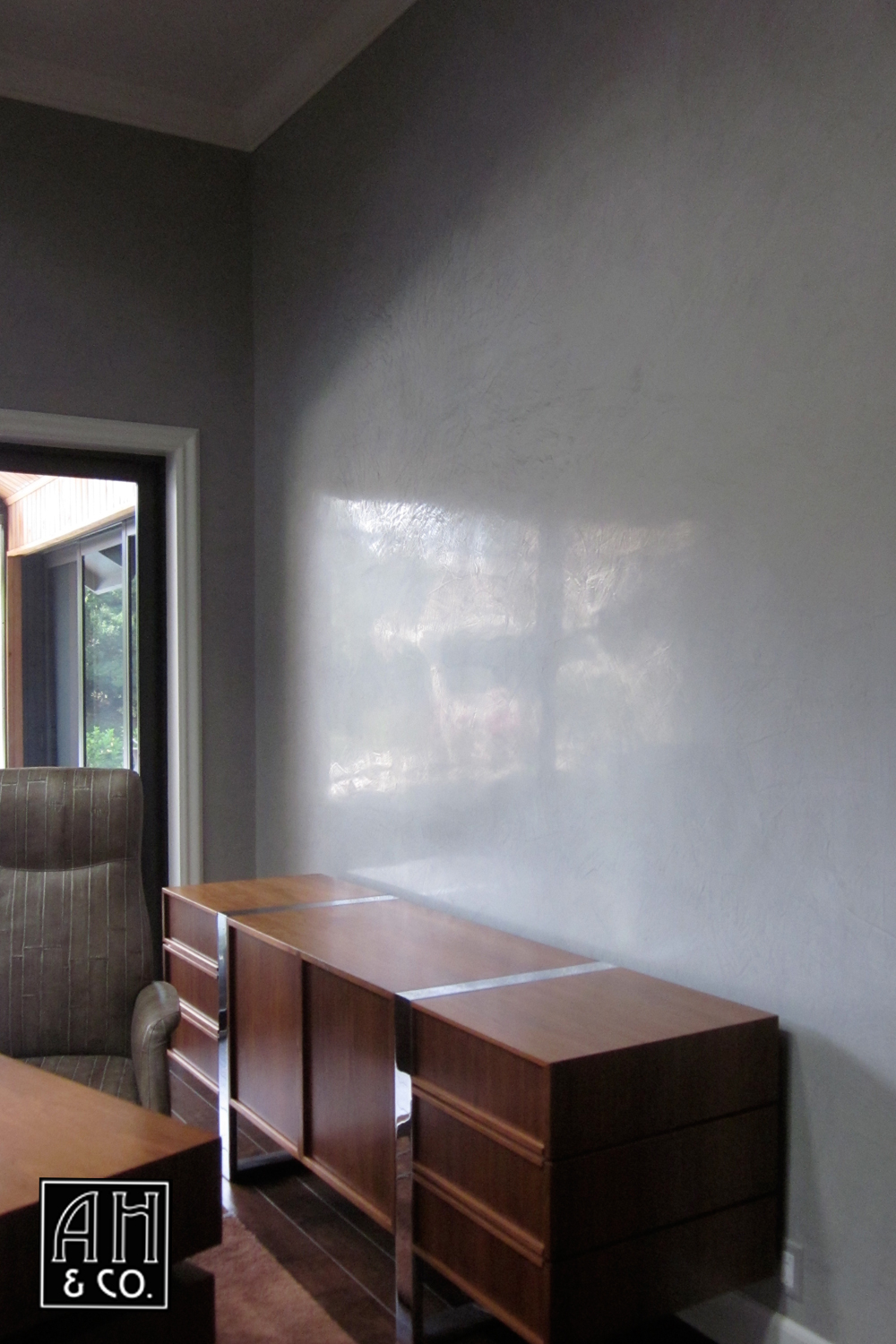 HIGH GLOSS POLISH GRAY VENETIAN PLASTER