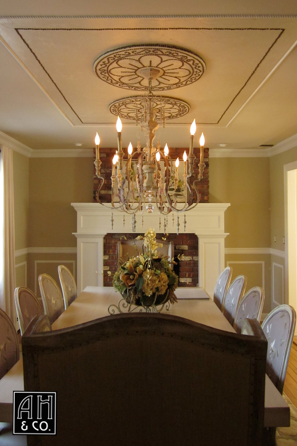 Good CREAM FAUX A DINING ROOM CEILING WITH HAND PAINTED LEATHER U0026 MEDALLION TACK  CONCEPT