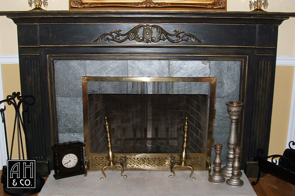 Exceptionnel DISTRESSED BLACK U0026 GOLD FIREPLACE MANTLE