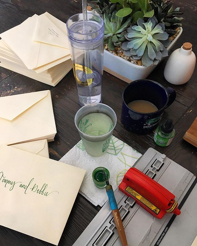 Feeling these green vibes 🌿🌱💚✅ #saturdaymorninggrind #happyhauslettering