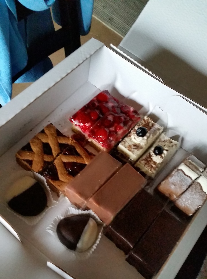 Cake 😇 😇 😇