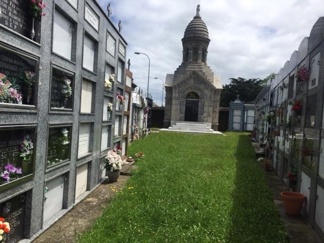 Cemetery inside a wall. Those walls again!