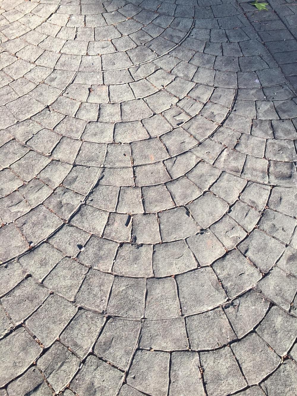 Camino shell in brick