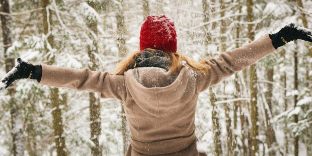 web3-snow-storm-blizzard-woman-winter-tim-gouw-cc0.jpeg