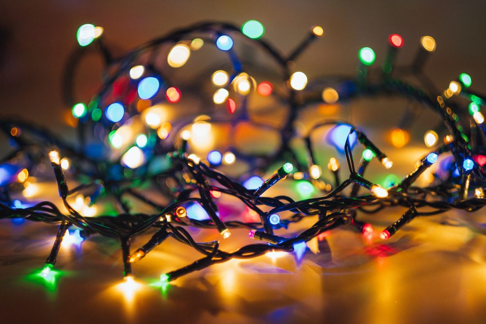 tangled_christmas_lights-1000x667.jpg